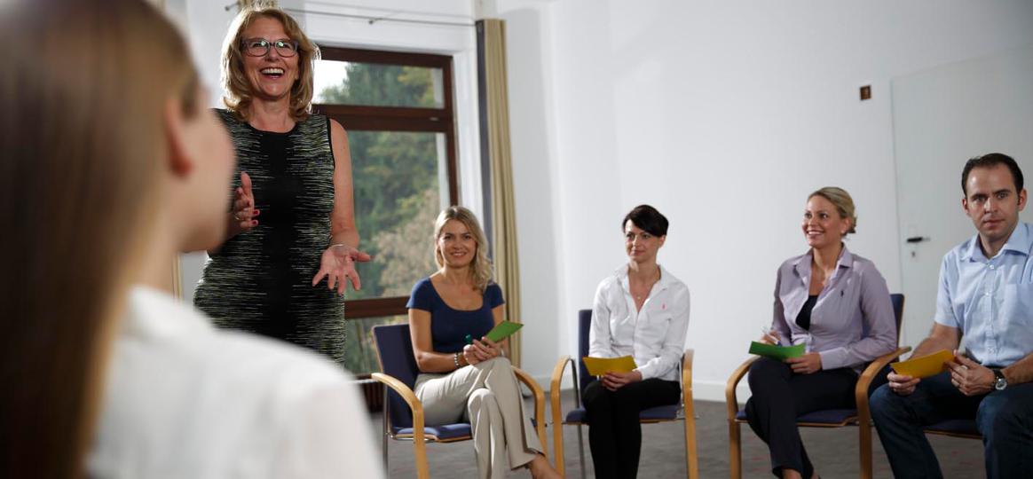 IHK Seminar Führungskräfte am Bau | Rosina Sperling mit Teilnehmern
